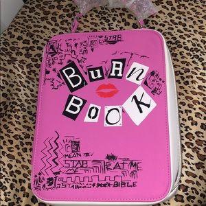 NWOT Spectrum burn book makeup brush kit